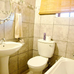 Standard Room Bathroom overnight accommodation in louis trichardt makhado on the n1 between polokwane and musina
